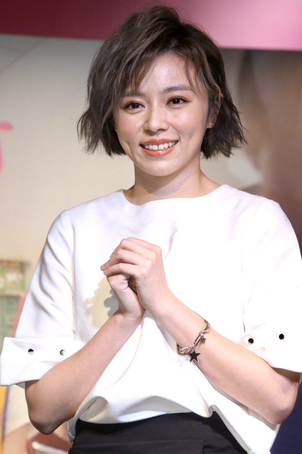 王瞳為公益獻唱歌仔戲。記者林俊良/攝影