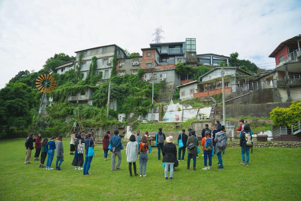 台北寶藏巖聚落早期的保育再發展規劃,曾經參考柏林ufaFabrik生態實驗村落的營運模式。 圖/取自寶藏巖國際藝術村