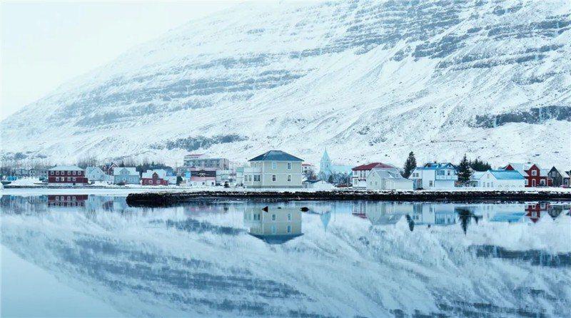 冰島東部也有夢幻風景 / 來源: east Iceland-Sveinn Birkir