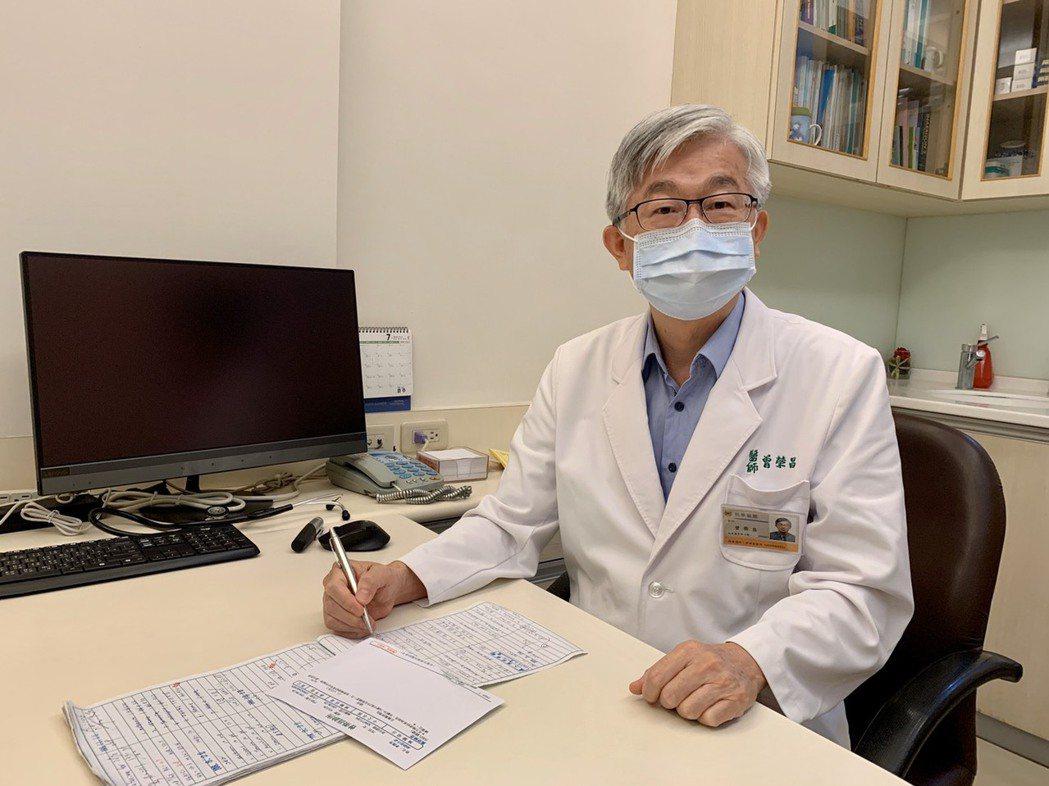 曾醫師建議注射胰島素,可以安全在短時間內將血糖控制下來。圖/王麗娟提供