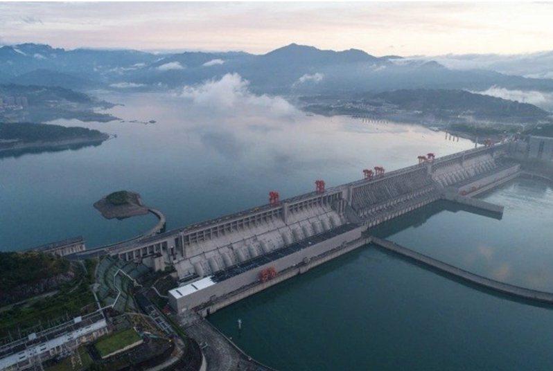 中國大陸長江三峽大壩一再傳出潰壩的說法。圖/本報資料照片