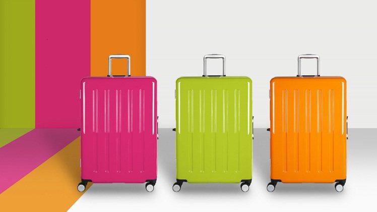 行李箱品牌Crown以帶給使用者好心情為出發,打造了帶有霓虹亮彩的熱帶糖果盒系列...