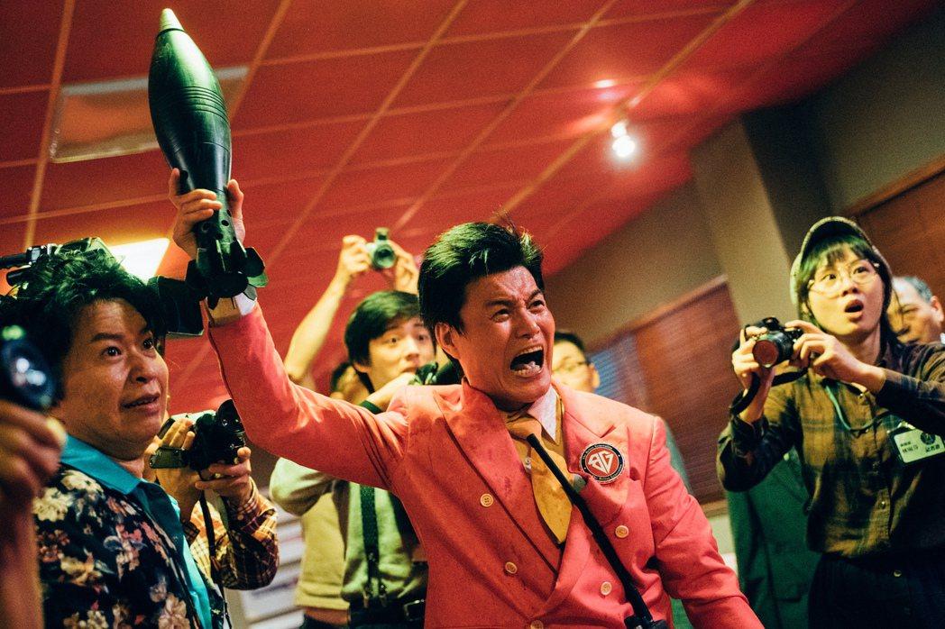 王中皇演出電影「逃出立法院」。圖/華映提供