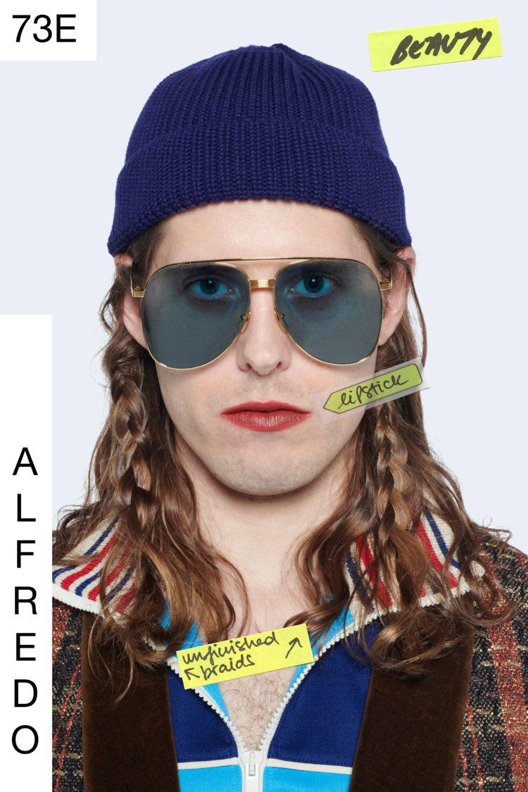 GUCCI首個無季別時裝系列「Epilogue」發表,展示男人也能隨心所欲化妝的...