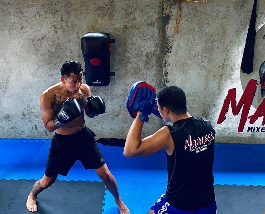 頑童瘦子,練出好身材,靠高強度的燃脂運動。圖/摘自IG