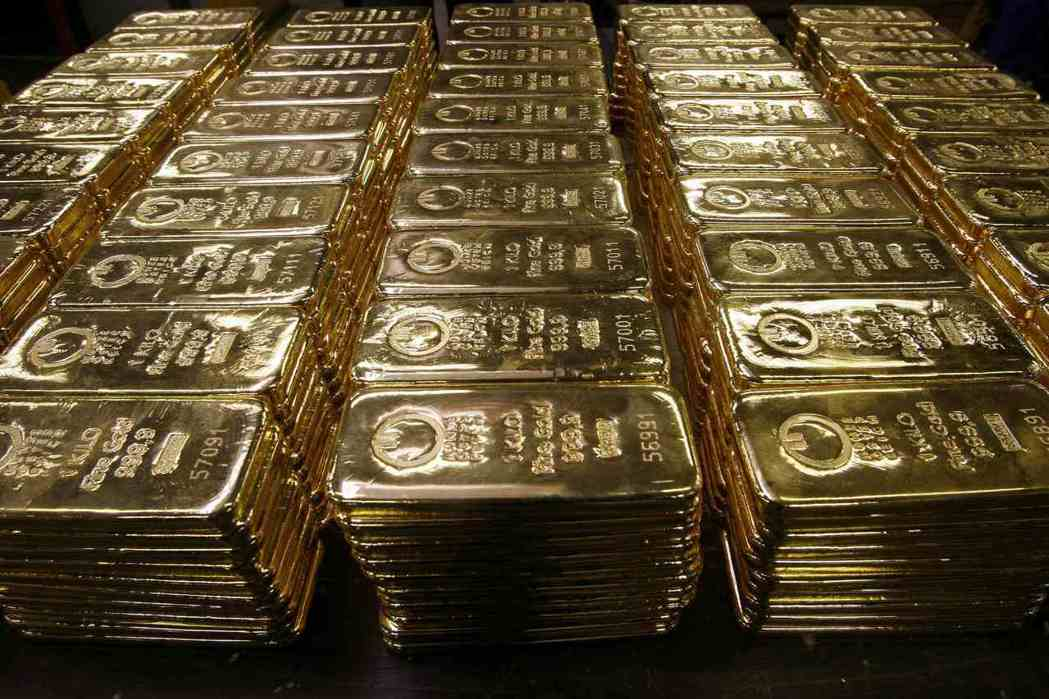 近期金價漲勢凌厲,不少投資人關注,黃金未來是否仍有增值空間?路透