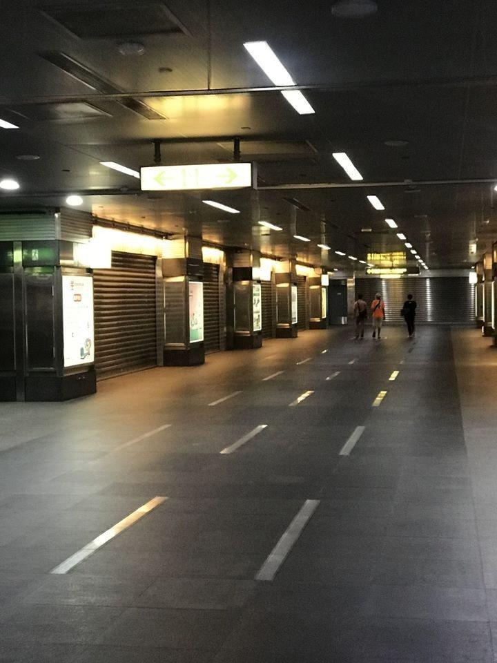 Sway表示週日晚間6點45分,高捷某站內地下街卻十分冷清。 圖擷自Sway臉書