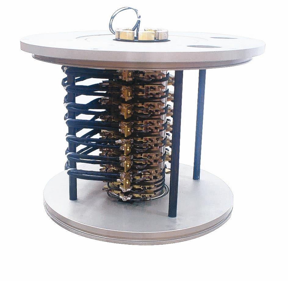隆環企業專業研製PSA-105集電滑環。 吳青常/攝影
