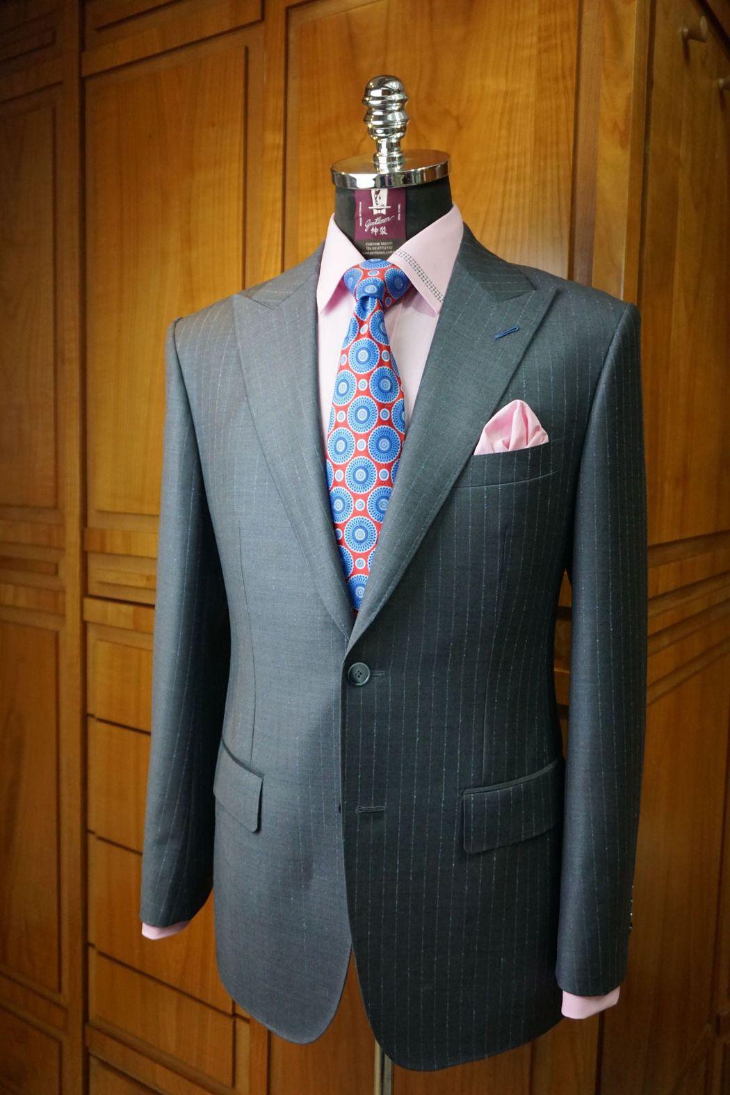 紳裝使用歐美名牌布料訂製西服頗受顧客肯定與喜愛  紳裝/提供
