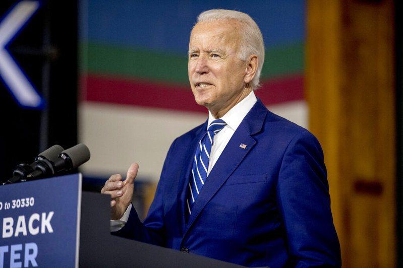 美國將於11月舉行總統大選,拜登(Joe Biden)目前在多項民意調查都領先共和黨籍的川普。 圖/美聯社
