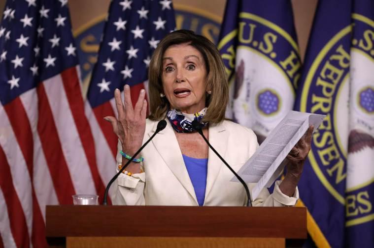 美國眾議院議長波洛西接受美國有線電視新聞網(CNN)訪問時稱新冠病毒為「川普病毒...