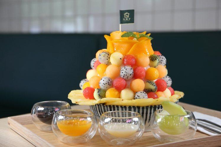 「盛開這一夏」綜合水果冰,每份280元。記者陳睿中/攝影