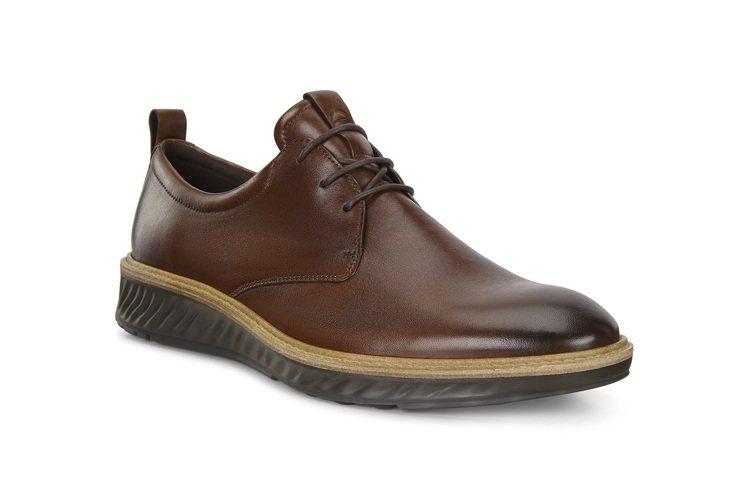 ECCO ST.1 Hybrid系列鞋款8,380元。圖/ECCO提供