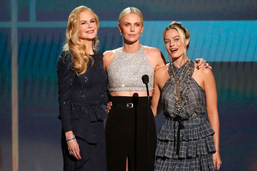 莎莉賽隆(中)與妮可基嫚(左)、瑪格蘿比合演「重磅腥聞」也被傳不和。圖/路透資料...