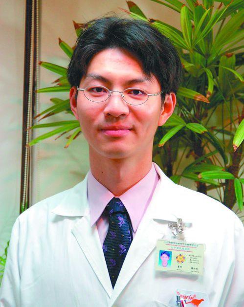台中榮總血液腫瘤科主治醫師滕傑林表示,新型標靶藥物治療效果不錯,維持效果久。 圖...