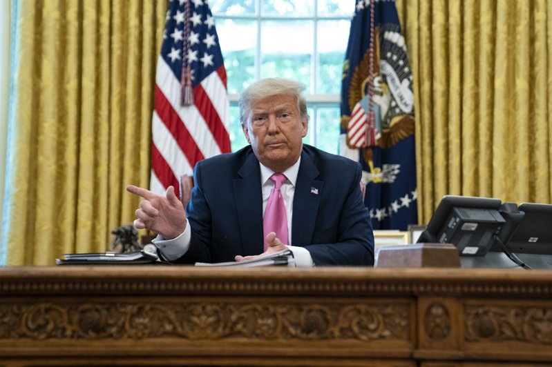 總統川普今天表示,他「永遠有可能」下令關閉更多中國駐美領事館。美聯社