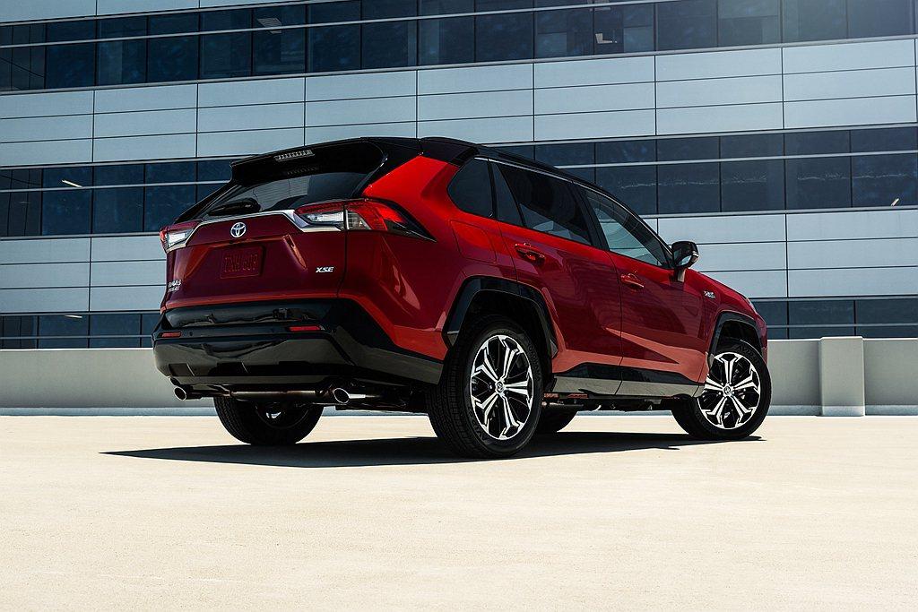 日規版Toyota RAV4 PHV因為電池產能無法滿足市場需求,日前緊急宣布停...