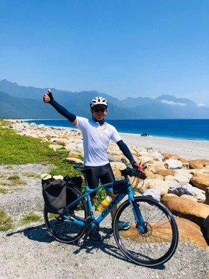 楊錦聰今年完成總長352公里的「花東4天3夜單車之旅」 圖/風潮音樂 提供