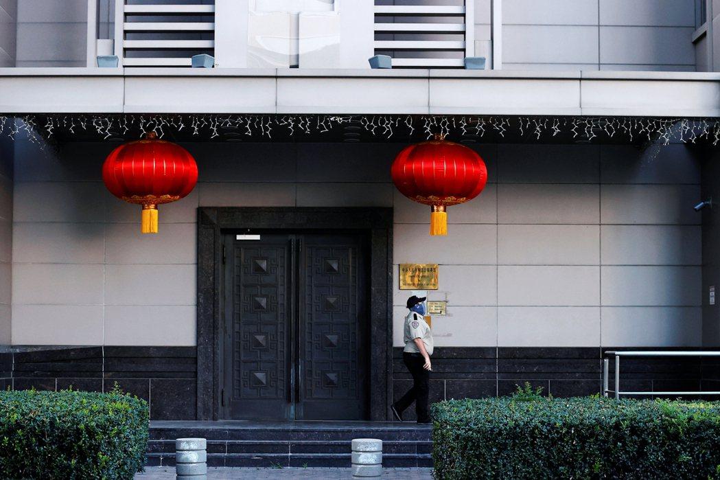 「中國的休士頓總館,一直是中方從事間諜行動與滲透任務的重要基地...這在外交情報...