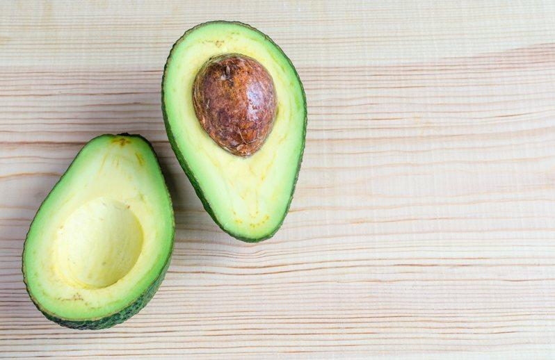 酪梨被譽為營養價值最高的水果,對身體有許多好處。 示意圖/ingimage