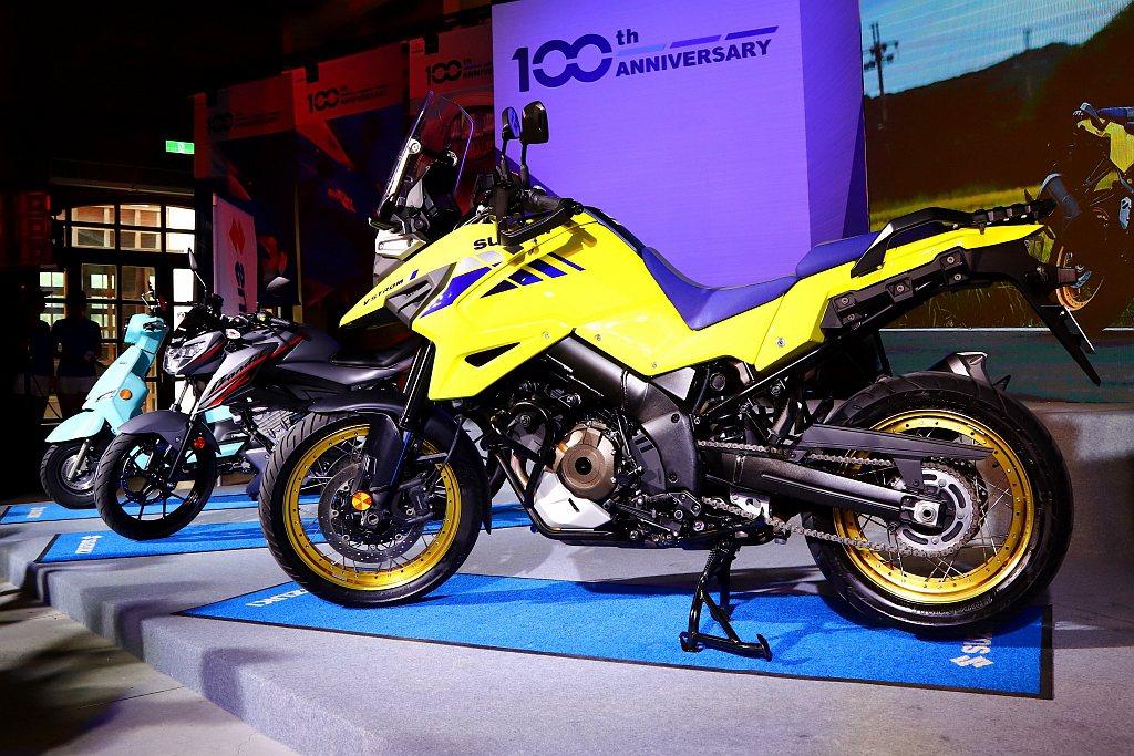 延續Suzuki V-Strom車系的穩定感受,輕量化車手設計給予更靈活的操駕感...