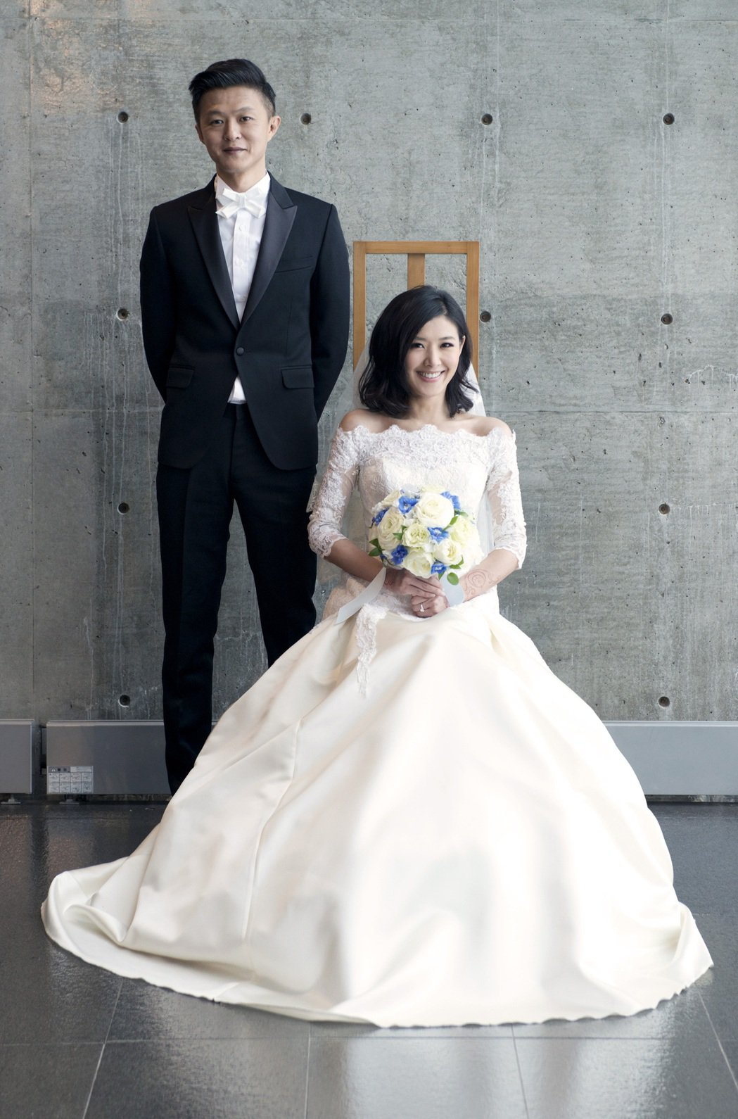 2014年,蘇慧倫(左)與老公孫益民在北海道水教堂完成溫馨小婚禮。圖/水晶共振提...