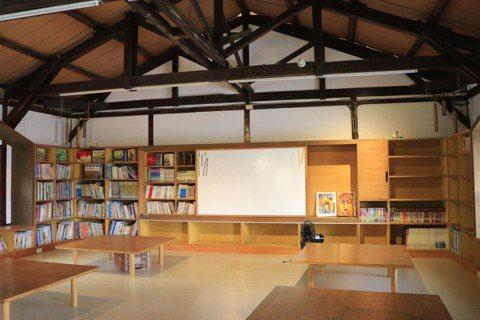 改造後的「大崎兒童藝術圖書館」,是社區的創藝基地。
