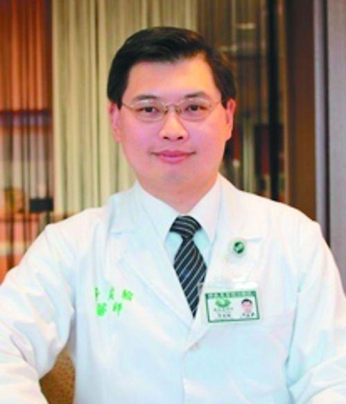 花蓮慈濟醫院血液腫瘤科主治醫師黃威翰指出,多發性骨髓瘤患者在確診之前,平均都換過...