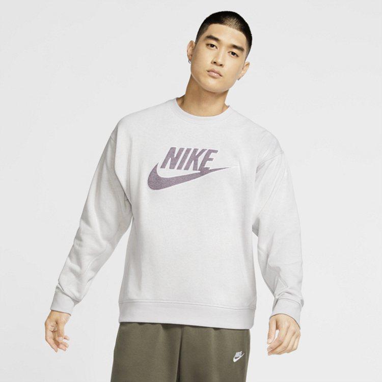 Nike Revival系列所有面料均由再生纖維與其他纖維混合紡織而成。圖/Ni...