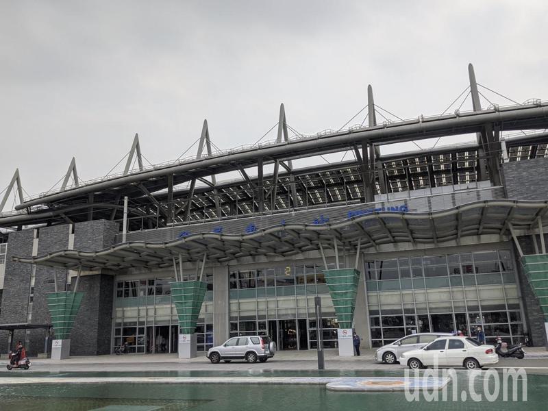 屏東火車站因綠建築等級不同,以及周邊設有商家的緣故,因此站內空調覆蓋範圍較大。記者陳弘逸/攝影