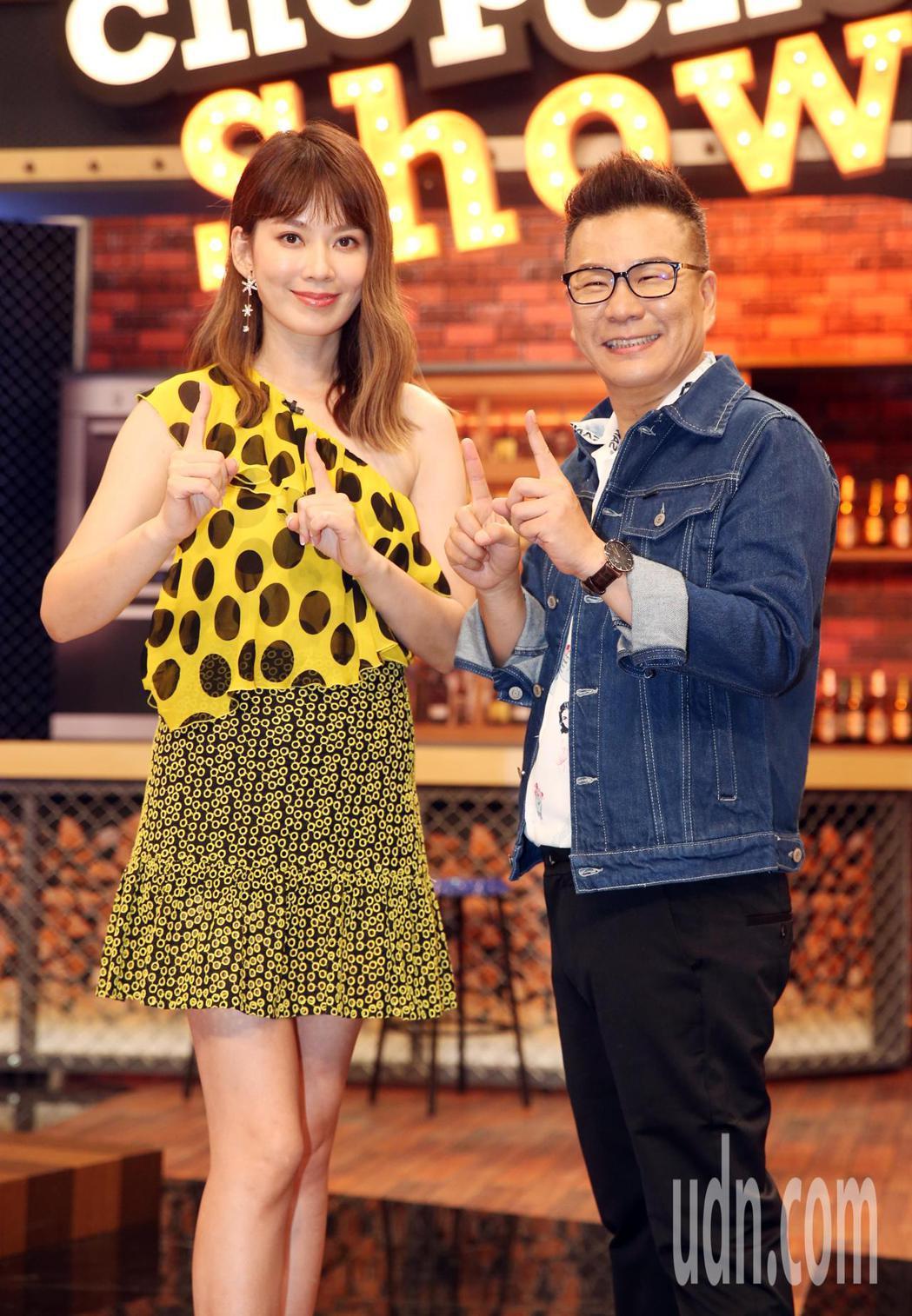 沈玉琳、Melody主持新節目11點熱吵店 。記者曾吉松/攝影