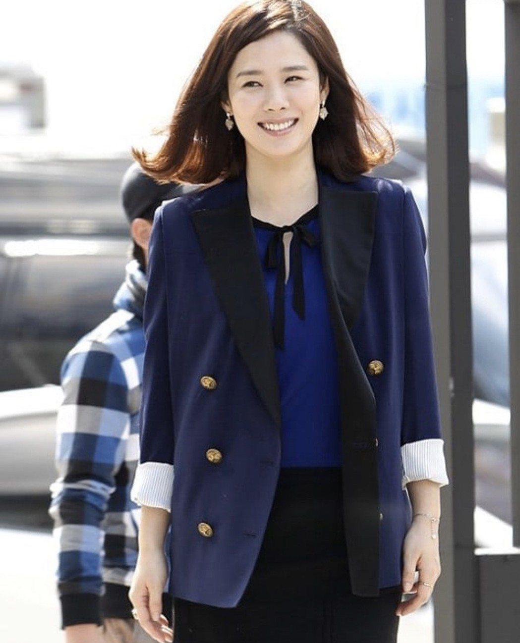 43歲韓女星金賢珠出道20多年依然凍齡。圖/摘自IG