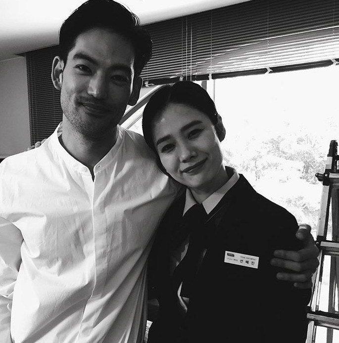 「我们相遇的奇迹」戏中,约瑟夫李(左)饰演金贤珠的暧昧对象。 图/纬来戏剧台提供