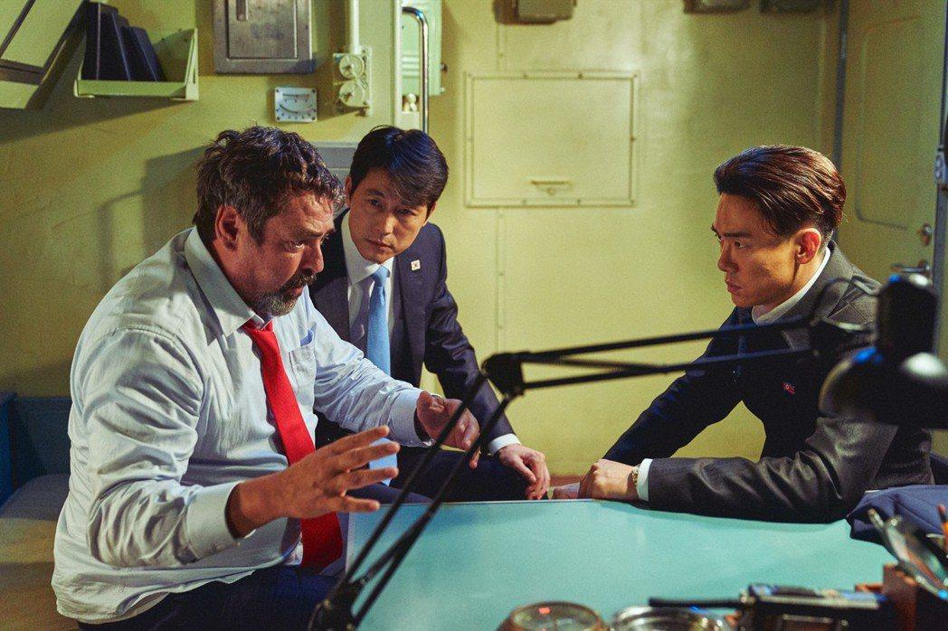 「鋼鐵雨:深潛行動」也是將在台上映的南韓大片。圖/甲上提供