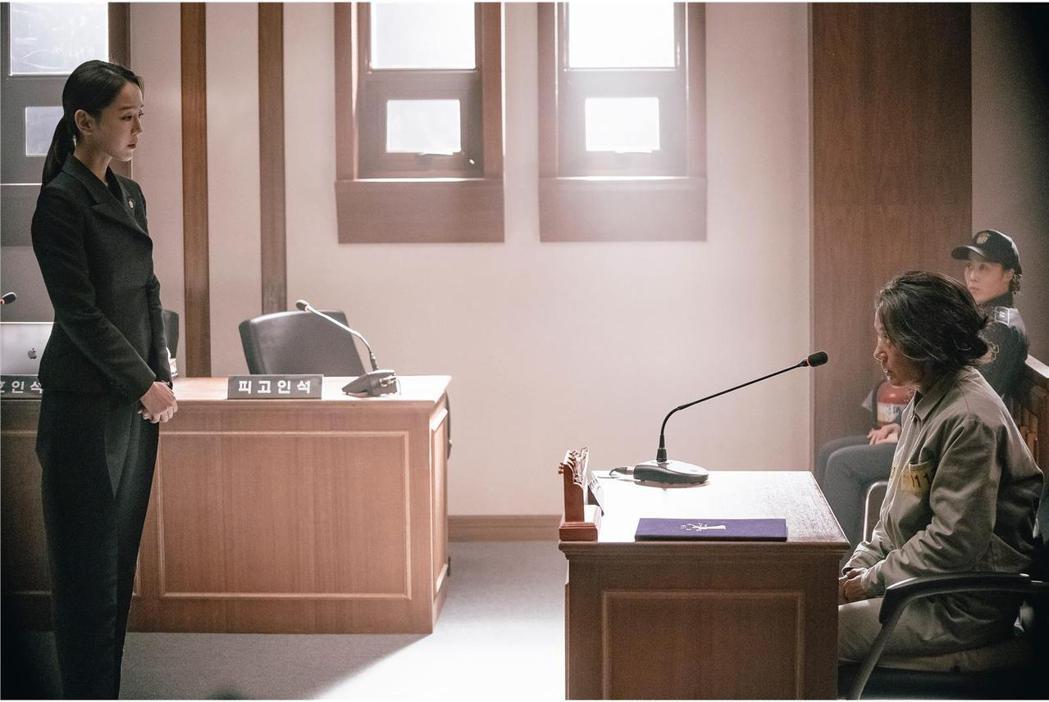 「翻供」展現南韓拍攝法庭片不遜好萊塢的成績。圖/索尼提供