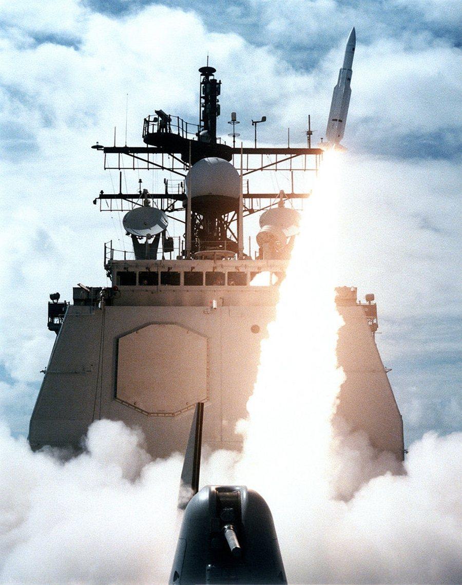 1988年的伊朗航空655號空難,是美國海軍巡洋艦「文森尼斯號」(USS Vin...