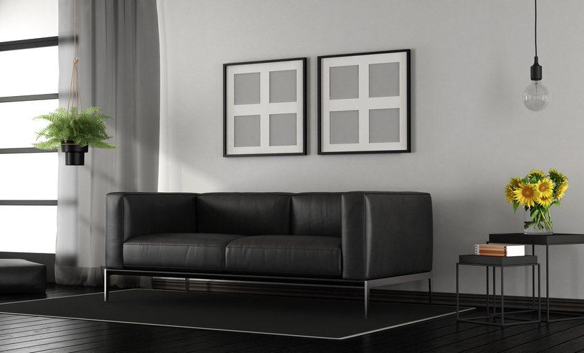 許多人家中客廳和房間都會掛一些畫,有網友提醒房間內最好不要掛活物畫像,以免嚇到。...