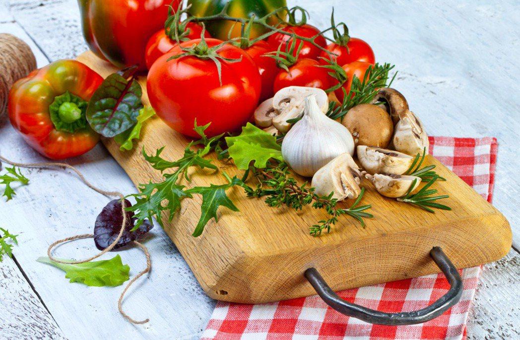 番茄富含天然強力抗氧化劑番茄紅素,有助於防止夏天強烈的紫外線傷害。圖/ingim...