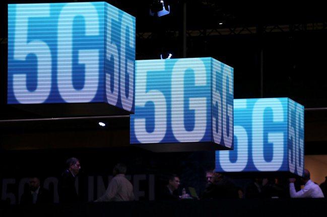 2020年全球行動電信商正擴大5G商用網路的建置。 報系資料照