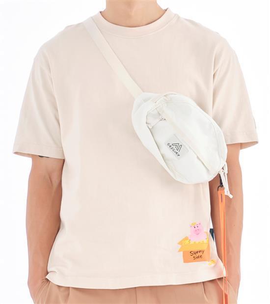 plain-me玩具總動員火腿豬T恤,會員價1,480元。圖/plain-me提...