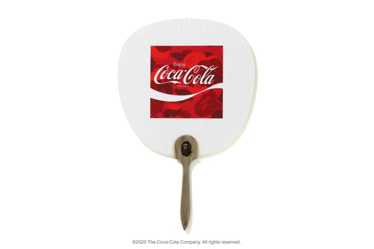 可口可樂聯名系列團扇2,399元。圖/i.t提供