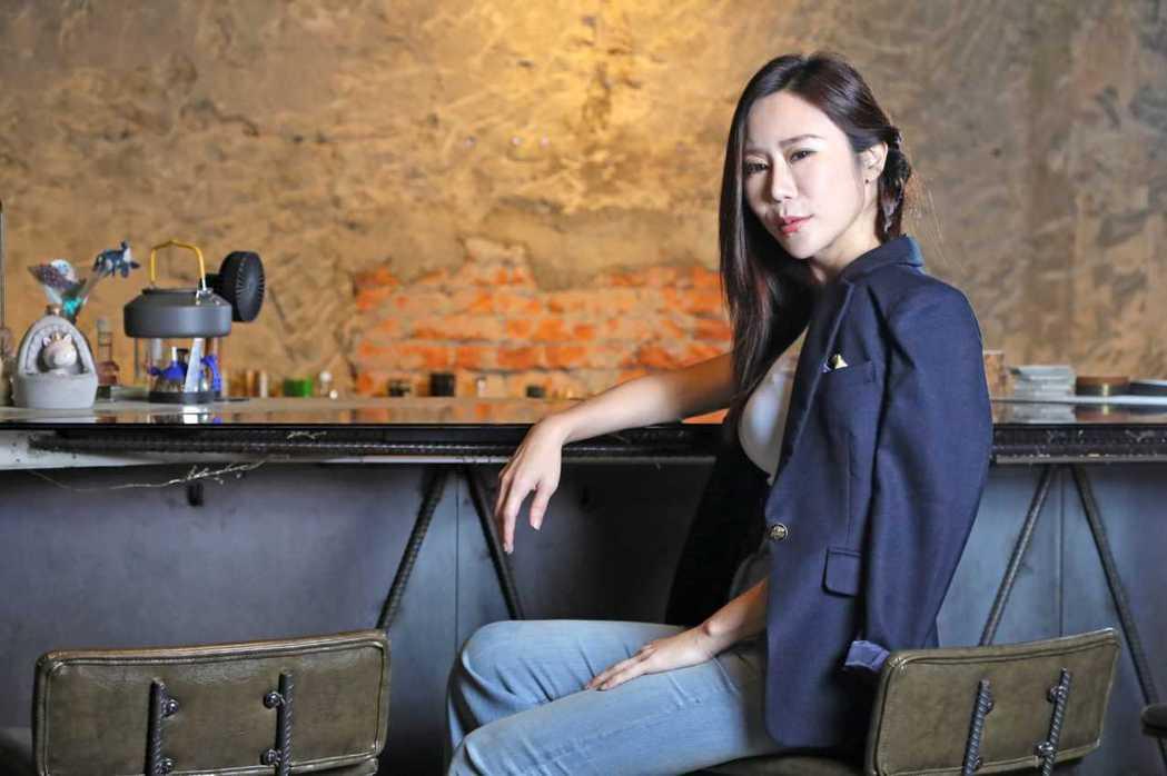 安晨妤今出席台北地方法院,與老公緋聞女友邱威樺當面對質。圖/固力狗提供