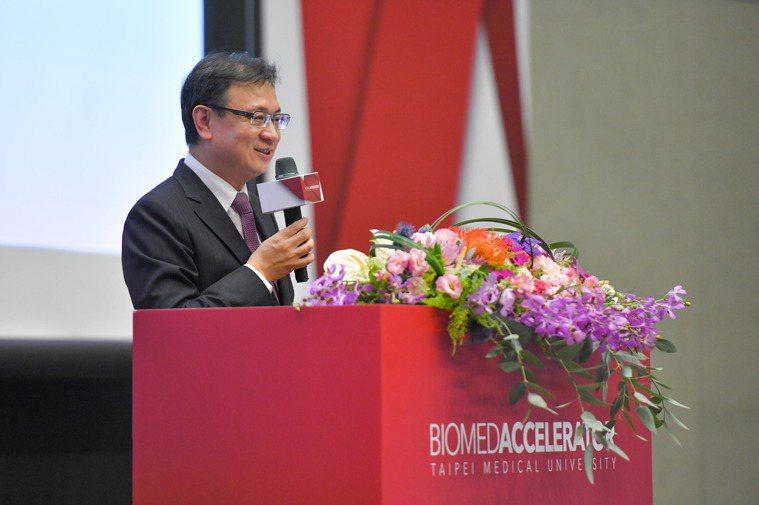 台北醫學大學校長林建煌強調台灣生醫新創早期輔導,推動精準健康發展主軸。圖...