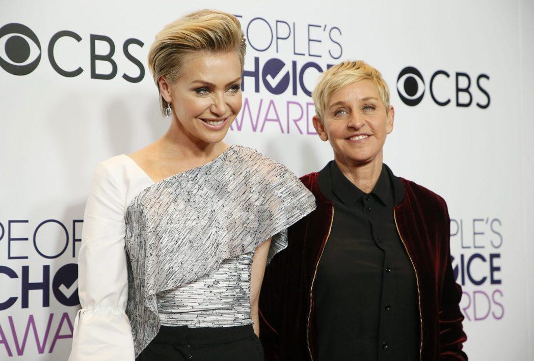 艾倫狄珍妮絲(右)與波霞狄羅西的家中遭竊,高價珠寶與名錶被偷。圖/路透資料照片