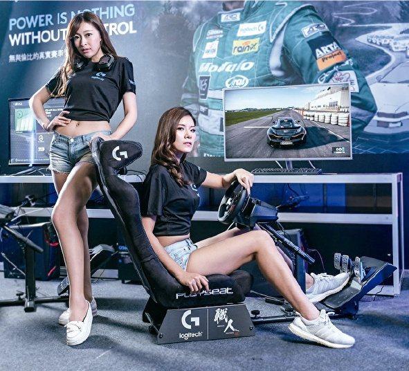 燦坤3C內湖旗艦店改裝重新開幕,羅技推出電競賽車體驗。圖/燦坤提供
