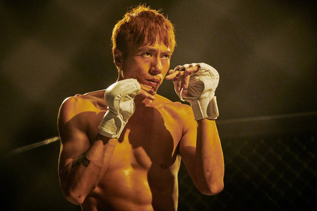 莊凱勛在「愛的廣義相對論」中的「最後一戰」中飾演職業格鬥拳擊手。圖/衛視中文台提...