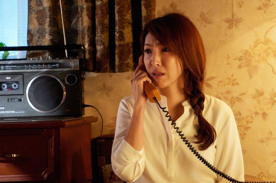 楊謹華在「愛的廣義相對論」中的「明晚空中見」戲中,扮老當個控制狂媽媽。圖/衛視中