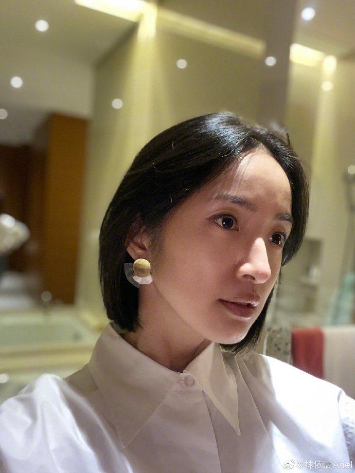 林依晨短髮造型展現不同風貌。圖/摘自微博