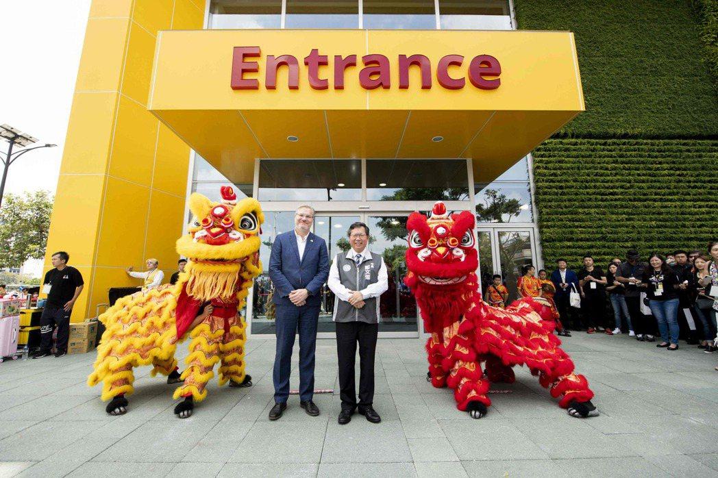 IKEA宜家家居集團董事凌思卓表示:「IKEA在桃園深耕發展近16年之後,我們往...
