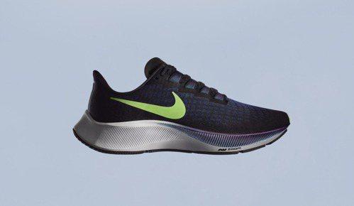 跑鞋要注意透氣性,跑步時能提供良好緩衝。 圖/Nike提供